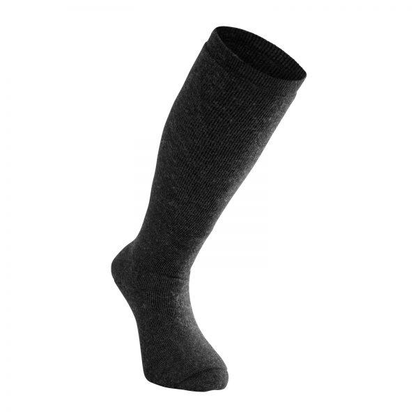 Mörkgrå strumpor med knähögt skaft. Är en del i vår multinormcertifierade Protectionserie. Namn på produkten Socks Knee-High Protection 400