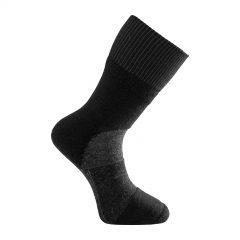 Tjock strumpa i mörkgrå och svart. Namn på produkten Socks Skilled Classic 400